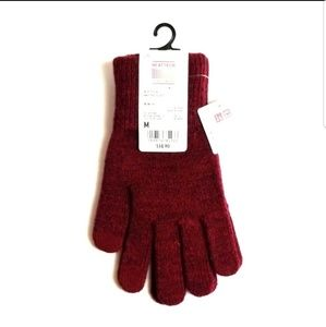 UNIQLO HEATTECH HEATED GLOVES